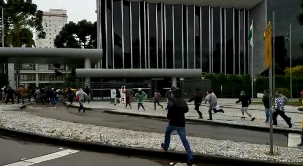 Com cenário mais estável, Paraná amplia capacidade de público em eventos