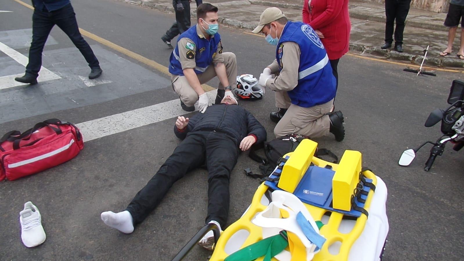 Agora: Motociclista fica ferido após ser atingido por carro em Uvaranas