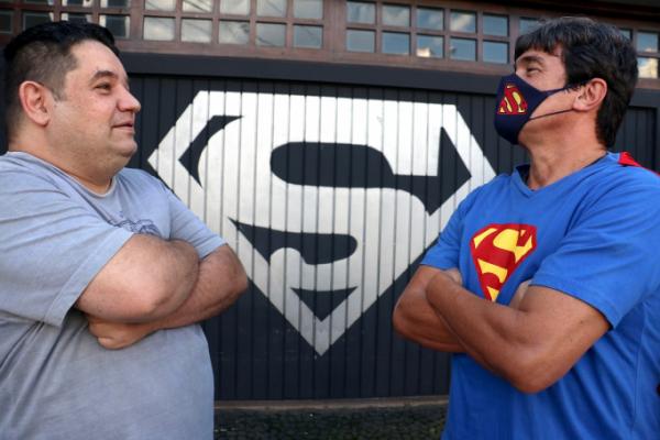 Superman de Ponta Grossa é citado na CPI da Covid e diz que reverendo agiu de má-fé