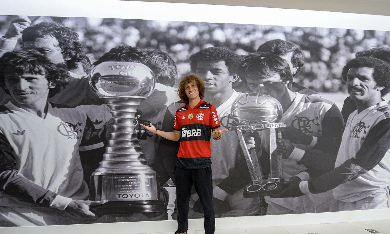 Reforço para o Flamengo: David Luiz é apresentado oficialmente