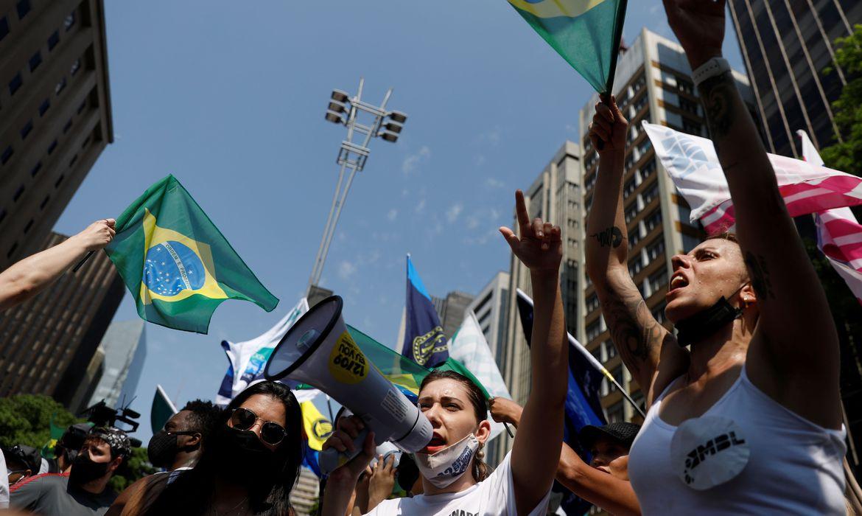 Grupos de oposição manifestam nas capitais contra o governo federal