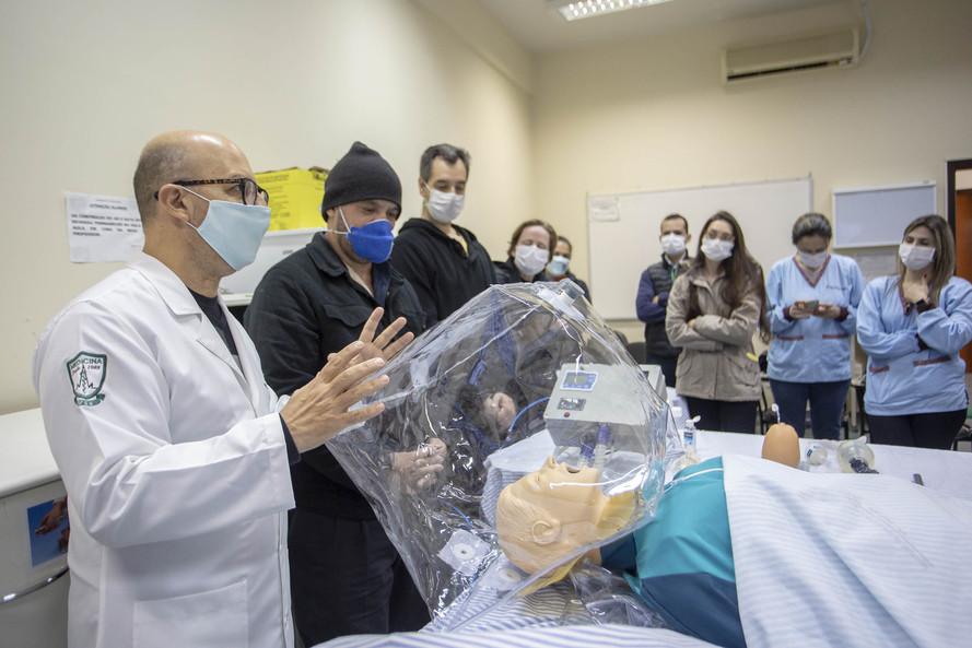 Hospitais universitários do PR se tornam referência no enfrentamento da pandemia