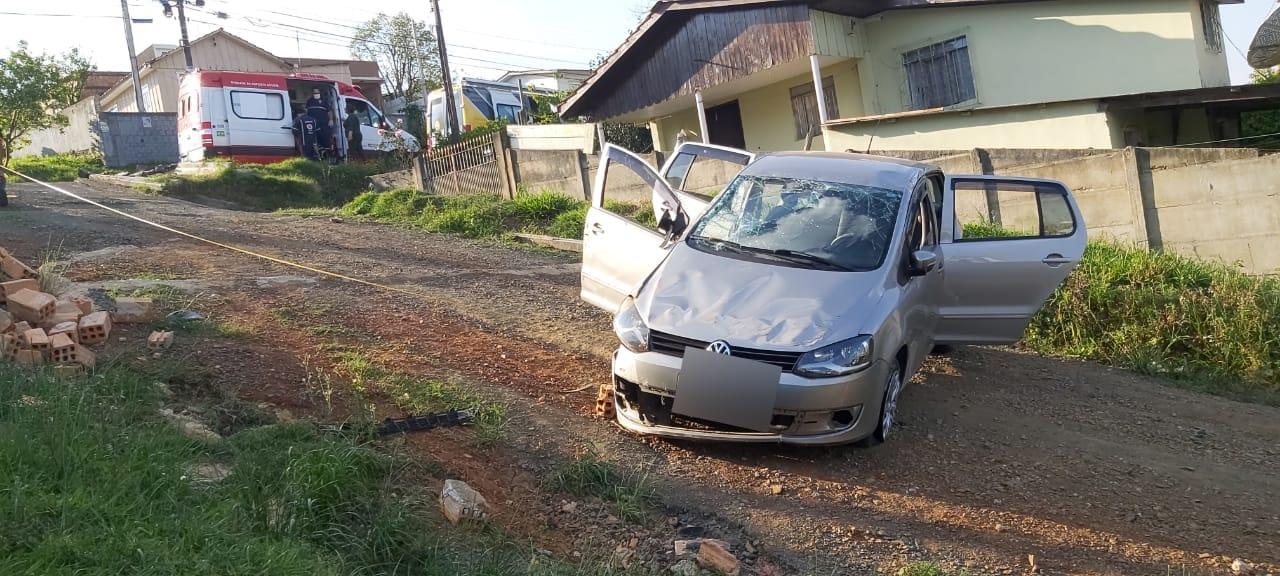 URGENTE: Capotamento de veículo deixa 4 vítimas na Palmeirinha