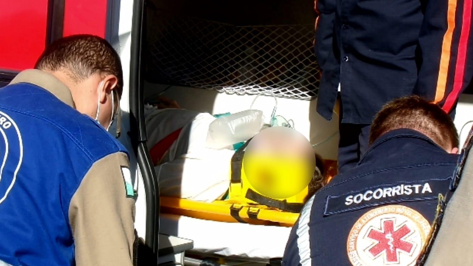 URGENTE: Idosa é atropelada por carro e fica inconsciente na 31 de Março