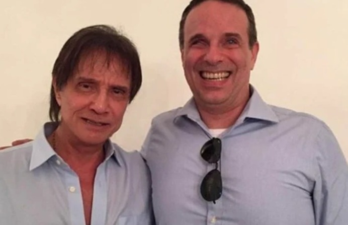 Morre Dudu Braga, filho de Roberto Carlos, aos 52 anos