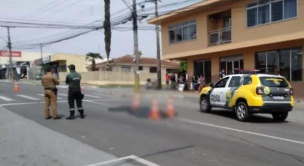 Idosa morre atropelada e motociclista fica ferido