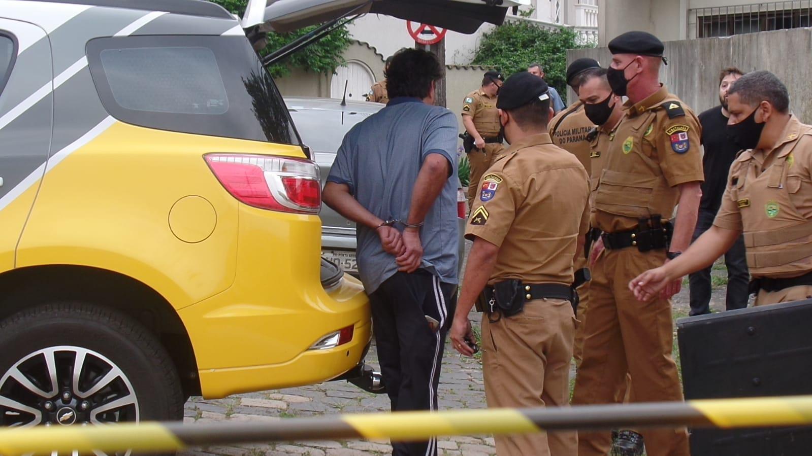 URGENTE: Atirador agrediu mulher, atirou em homem e foi preso pela PM