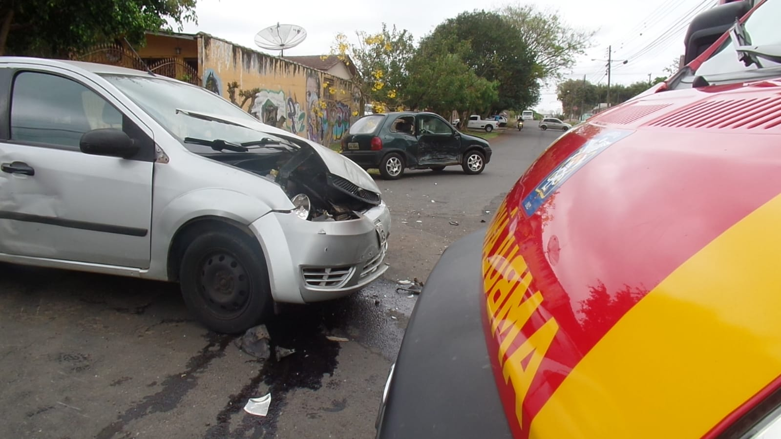 URGENTE: Grave colisão deixa duas mulheres feridas em Uvaranas
