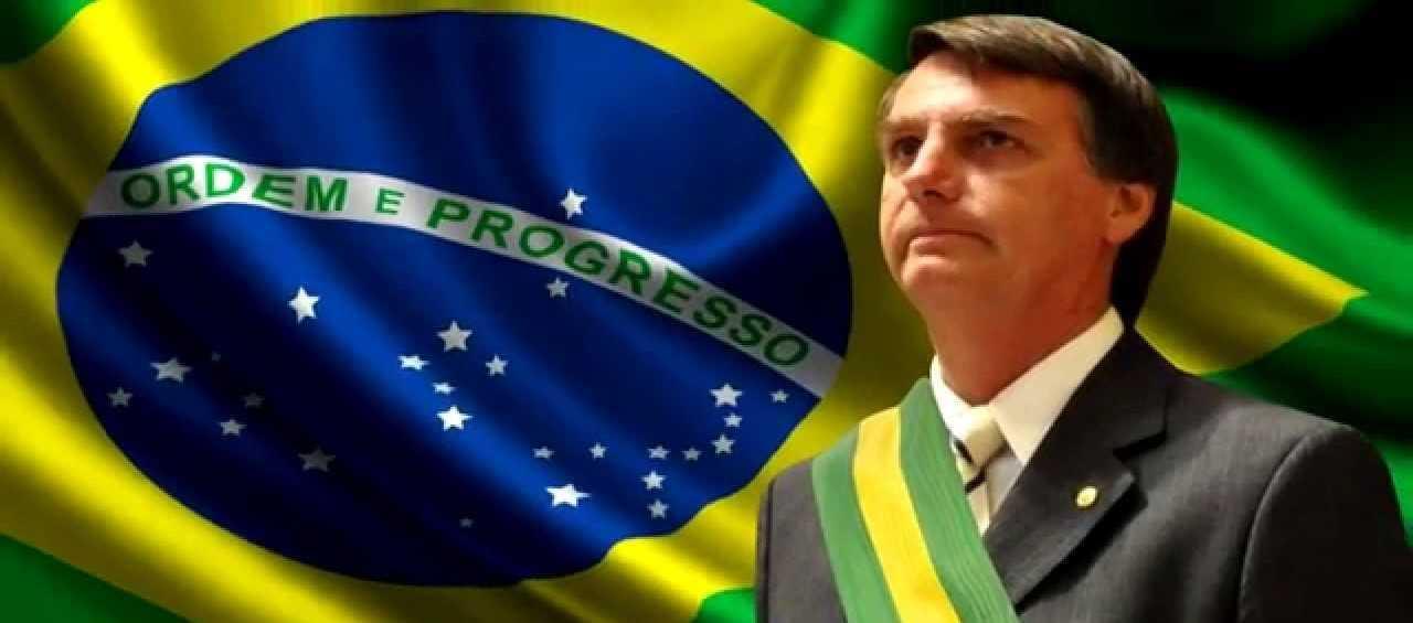 Presidente Bolsonaro convida população a ir às ruas amanhã
