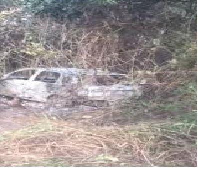 Corpo é encontrado carbonizado dentro de carro