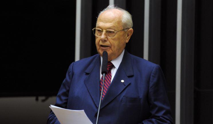 Ex-deputado, André Zacharow morre aos 82 anos