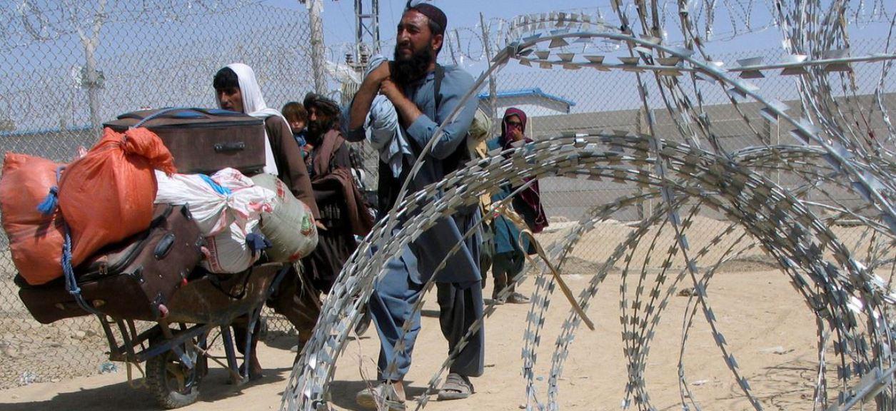 Rebeldes lutam contra Talibã em vale no Afeganistão