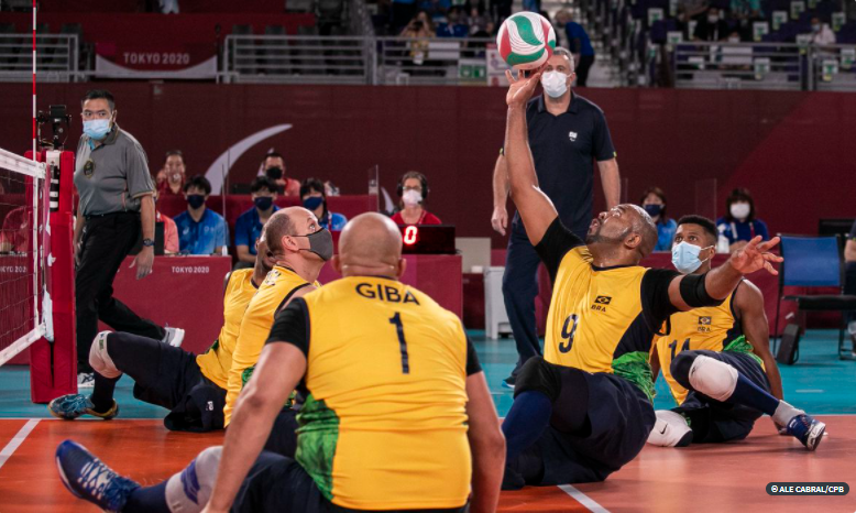 Vôlei sentado: Brasil perde para Comitê Russo e vai brigar pelo bronze