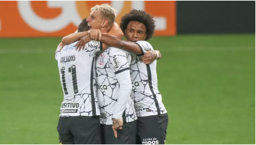 Corinthians vence o Palmeiras com dois gols de Róger Guedes