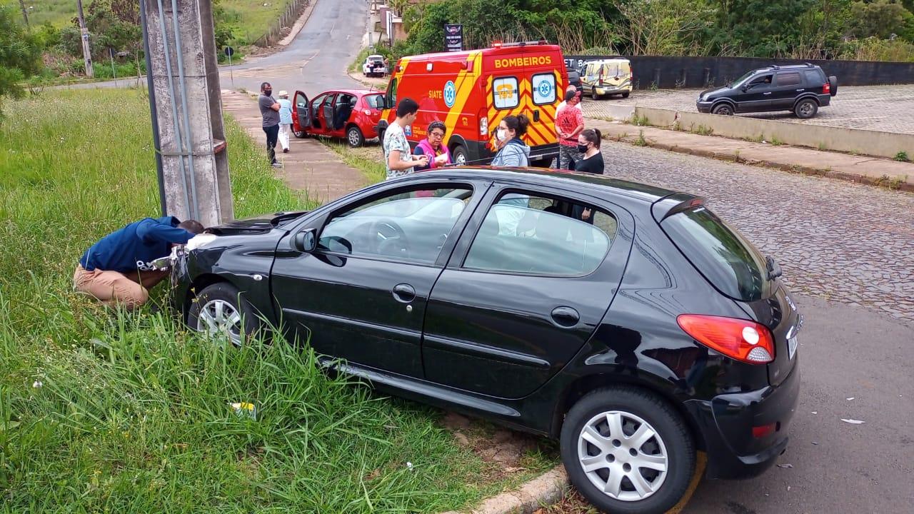 Colisão entre dois veículos deixa vítima ferida na Vila Estrela