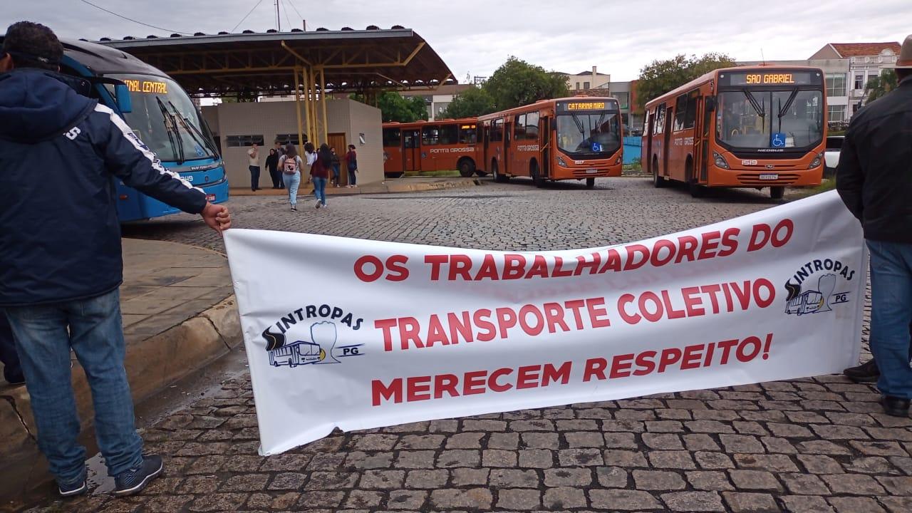 Paralisação acaba, mas protestos continuam nos Terminais do transporte público em PG