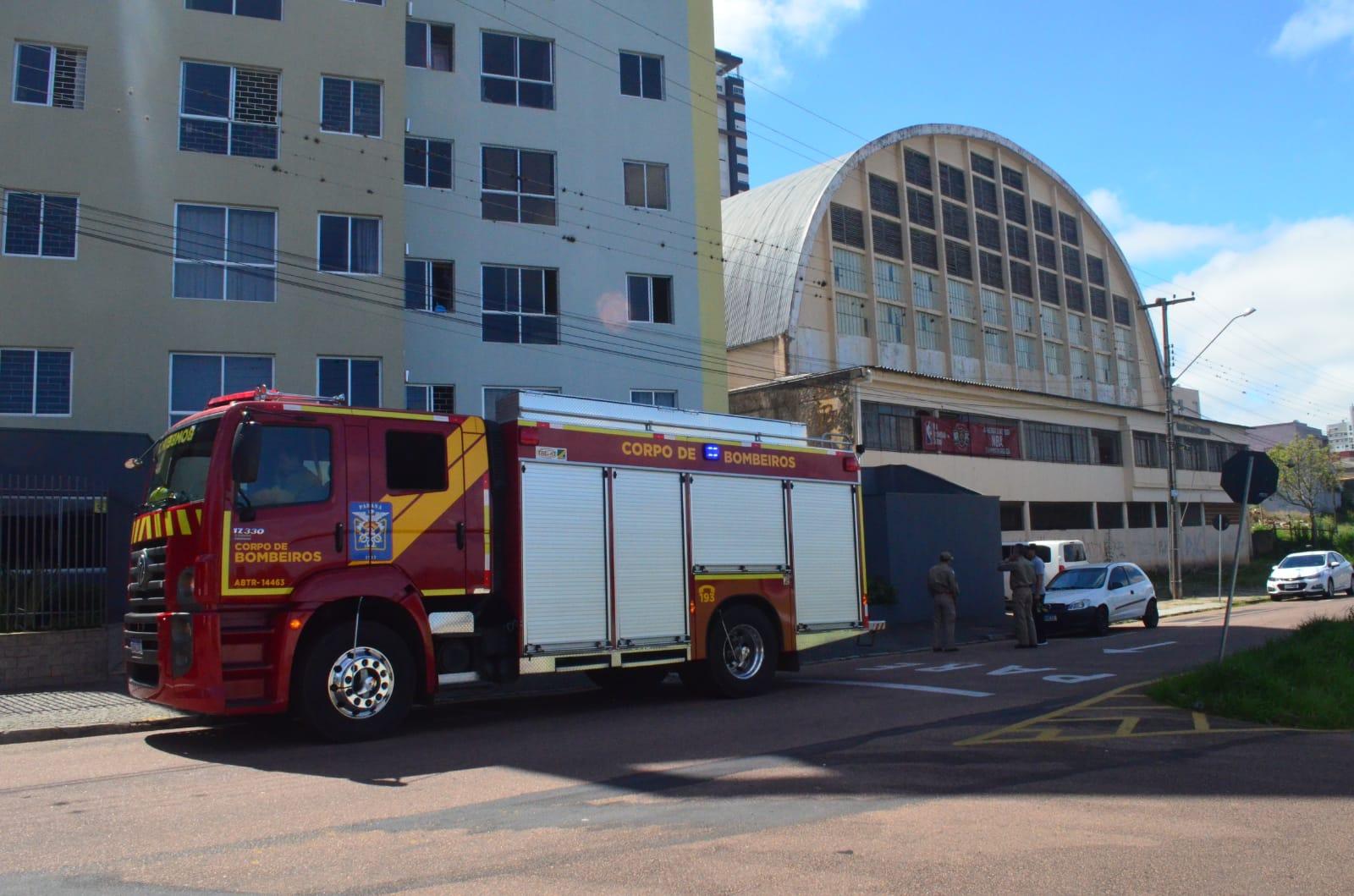 URGENTE: Suposto incêndio no Ginásio Borell mobiliza bombeiros em PG